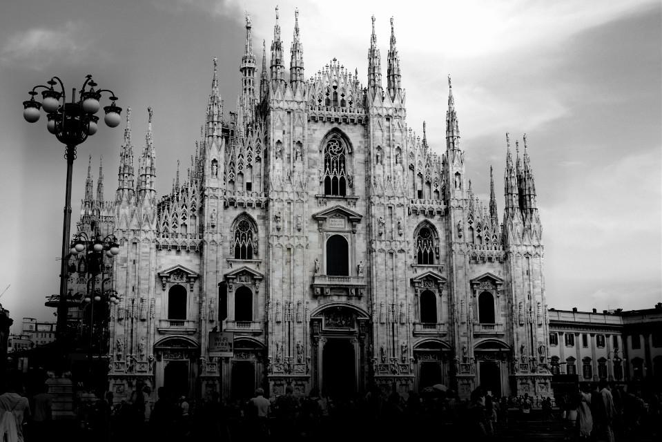 #milano #milan #architecture #blackandwhite #duomo  #piazzaduomo #piazzadelduomo #wapblackandwhite
