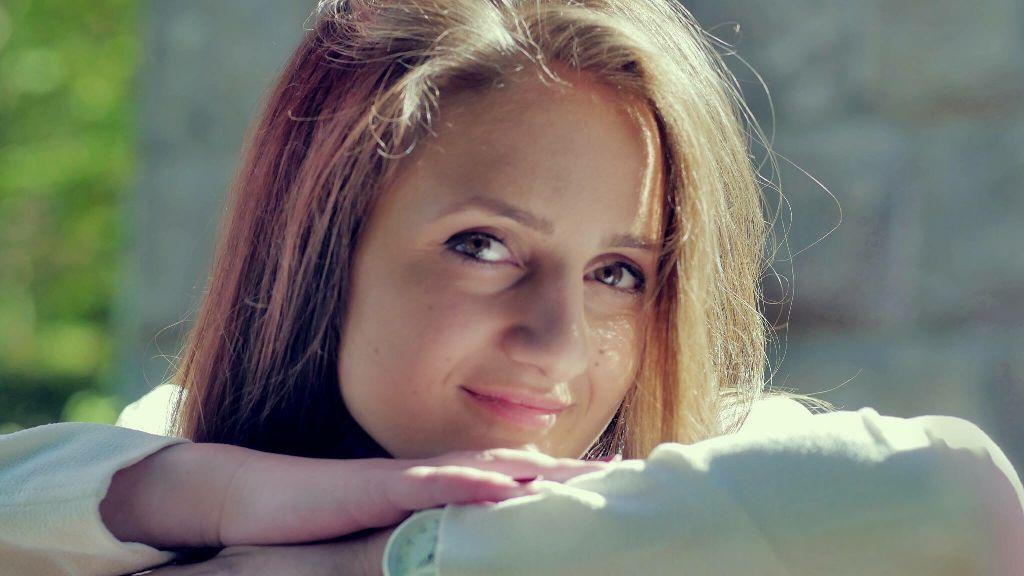 #girl #lady #woman #people  #photography #look #smile #eyes #face #portrait #original #kind #friend #bestfriend #blueeyes #golden #hair #color
