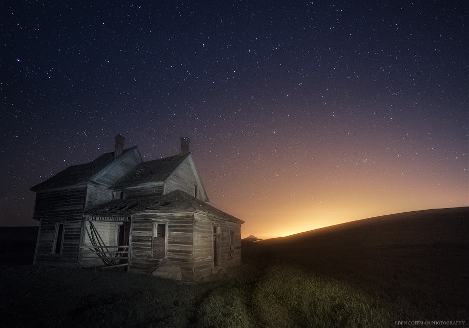"""""""I've been waiting for you,"""" another abandoned house in rural Oregon."""