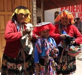 peru cusco andes travel people wppportrait