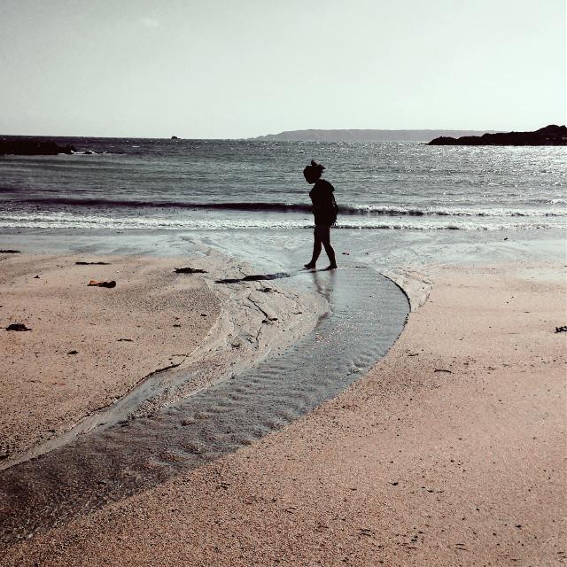 #beach #alone #sea #retro #vanishingpoint #dailyinspiration #horizon