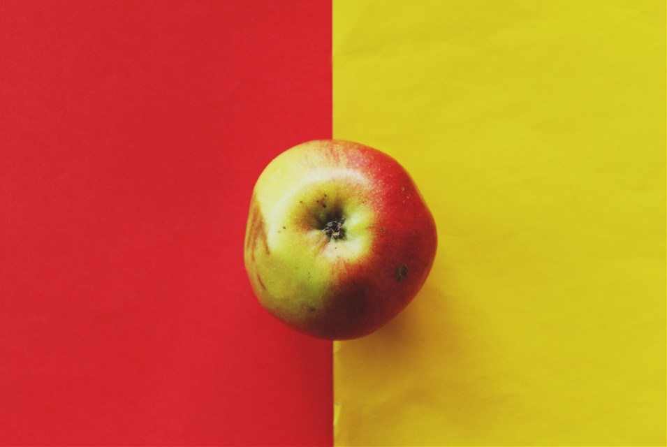 #Myinspiration lately is saying again Wes Anderson who taught me how to balance the colours with every little scene in his movies. #photography #colors #red #yellow #apple #food #dpcapples