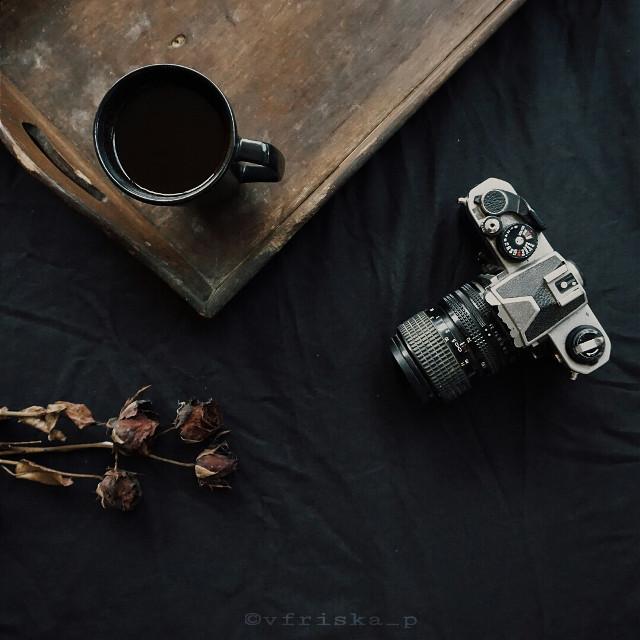 #mycoffee_diary #flatlay #onthetable #coffee #book #kinfolk #darktone #softtone #morning #dark #photography #Sony