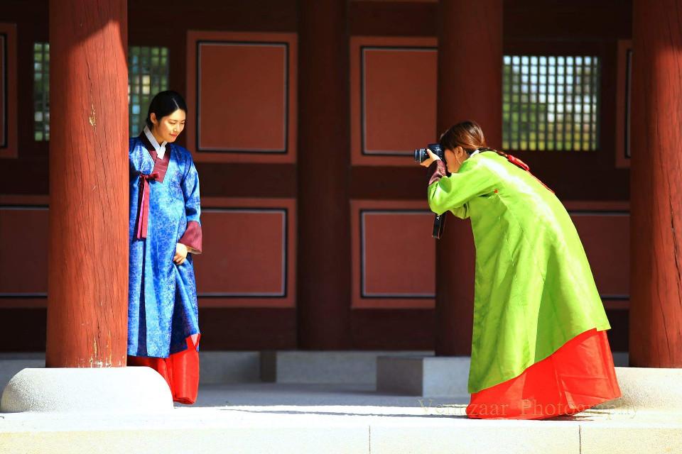 THE PHOTOGRAPHER ...!! #fashion #gesture #photographer #southkorea